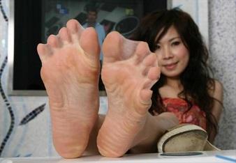 Webbed feet image 2
