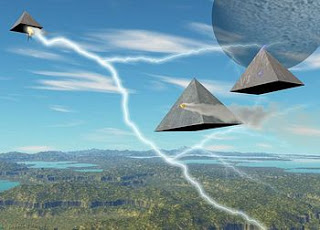 flying pyramids 2 (22K)